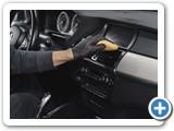 man-polish-salon-car-garage_1157-36595